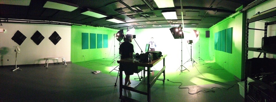 Trekk video studio and green screen